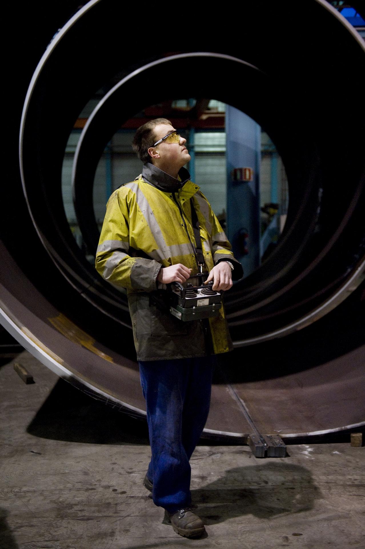 SIF Roermond jaarboek Egeria fotografie fabriek arbeiders. Industriële fotografie Frank Penders.