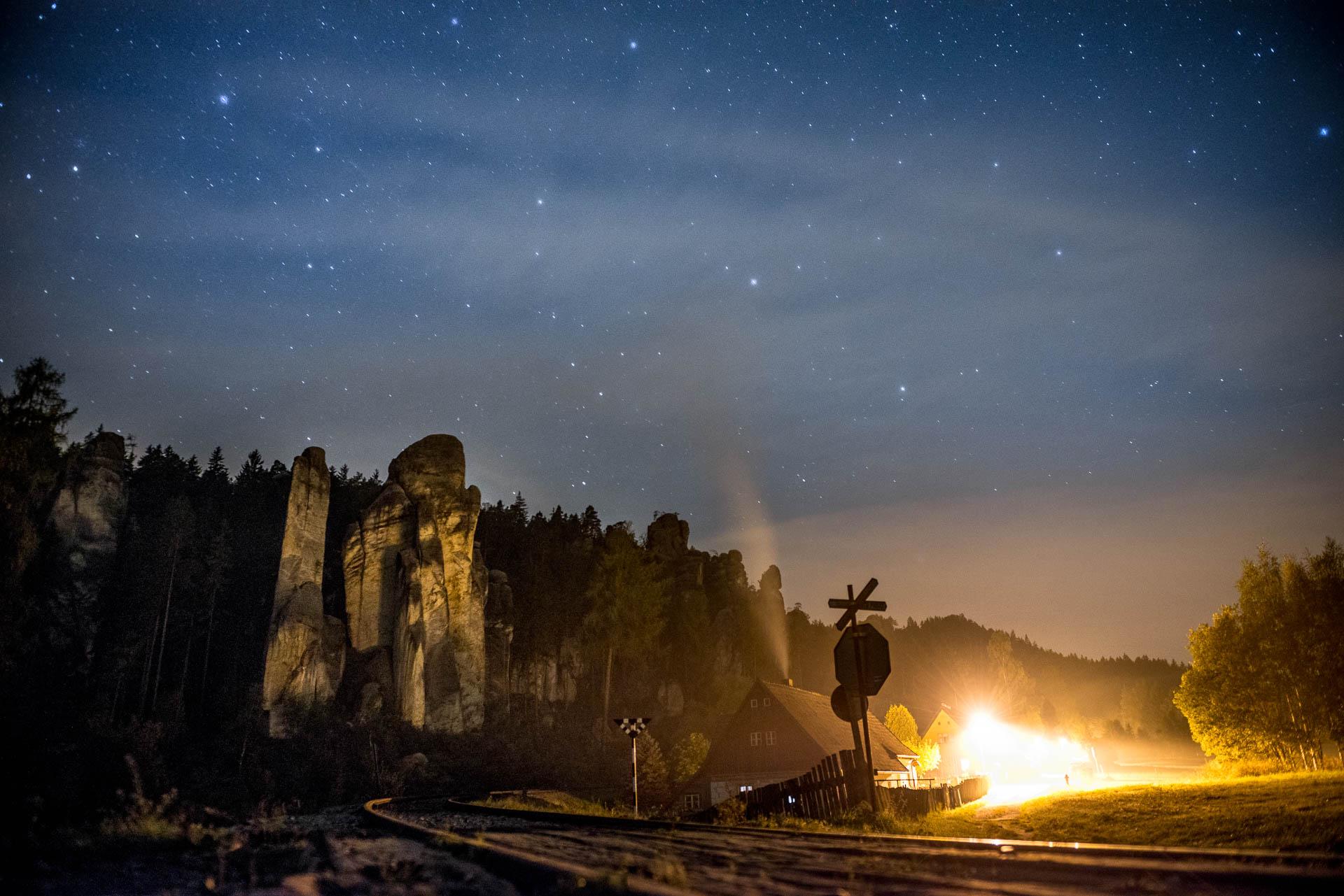 Adrspach Tsjechië bij nacht