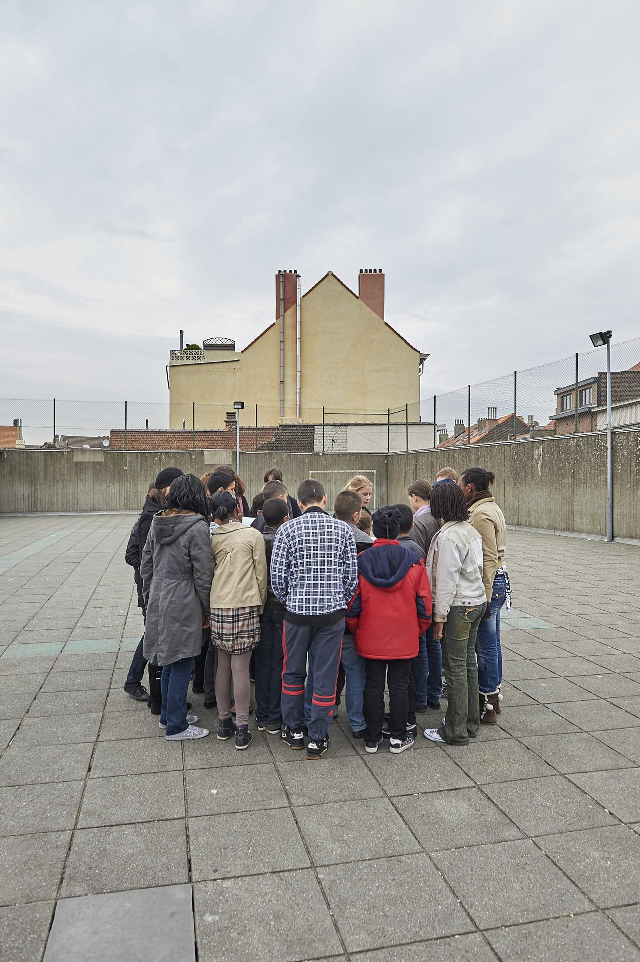 Schaerbeek, Brussel, schoolplein, kinderen, dak